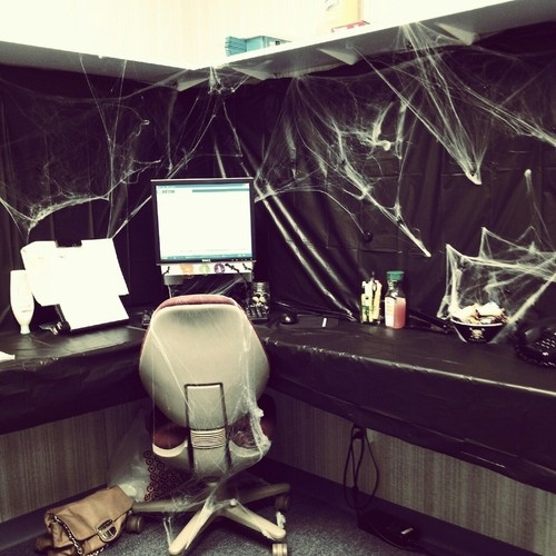 14 best Kevin images on Pinterest Bookcases, Halloween cubicle and - halloween desk decorations