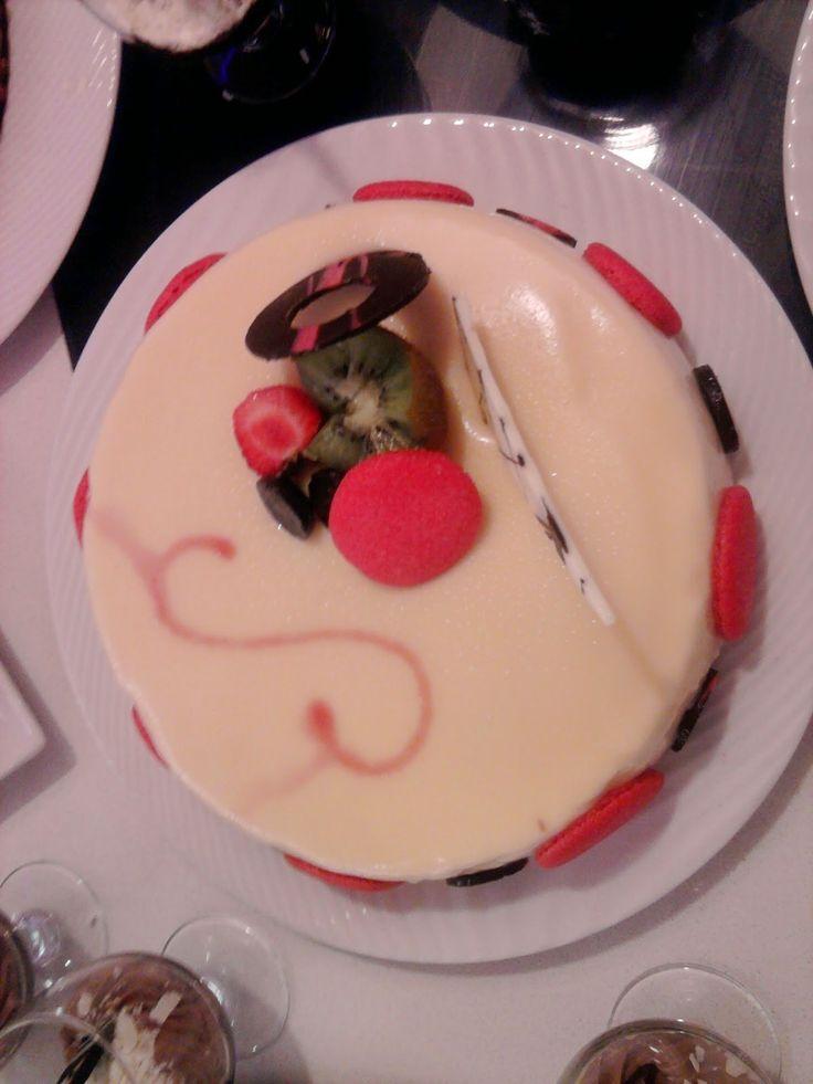 cozinha talento: Receita bolo de  com recheios de chocolate branco