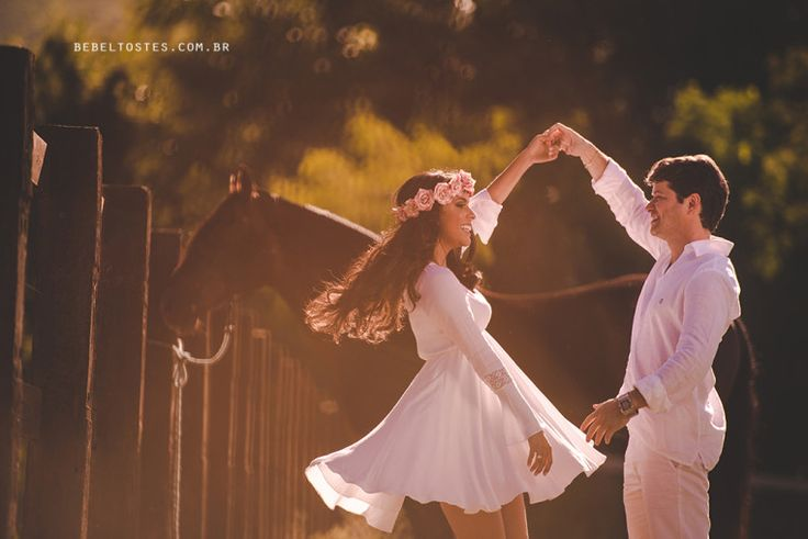 Pré Casamento - Fernanda e Frederico - Buquê de AnisBuquê de Anis - Coroa de Flores - Danca - Cavalo