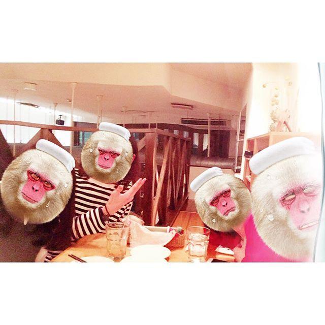 ... 誕生日のお祝い渡すがてら藤沢で飲み。 もう先月だけど😂笑 自家製シャンディガフ美味かったな〜🍺 ... #誕生日 #お祝い #藤沢 #飲み #肉 #焼肉 #毎度おなじみ #シャンディガフ #プレゼント #ジャージ #トラックジャケット #緑 #似合う #沢山着てくださいまし〜