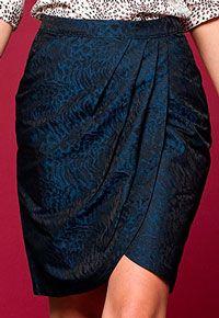 Pattern wraparound skirts and draping at the waist
