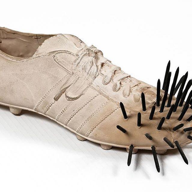 #guntheruecker #zerogroup #nul #schoes #adidas #soccer #nail #art #artwork #contemporaryart #modernart #nextauction #auction #martiniarte #studiodartemartini   www.martiniarte.it