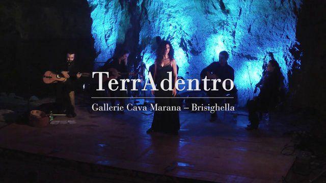 """Estratto dello spettacolo """"TerrAdentro - il flamenco incontra il sud Italia"""" presentato presso le gallerie della Cava Marana di Brisighella (Ra) dalla Compagnia FlamenQueVive. Con: Gianna Raccagni (baile flamenco), Moira Cappilli (danze del Sud Italia), Mico Corapi (Voce, chitarra battente, percussioni), Marco Perona (Chitarra e voce), Alberto Rodriguez (Chitarra flamenca), Francesco De Vita (Chitarra), Erica Scherl (Violino) Musiche: M. Perona, A. Rodriguez, D. Corapi, E. ..."""