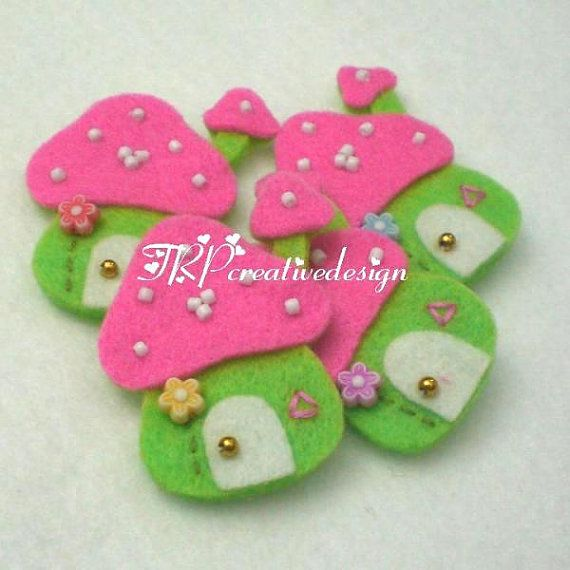 DOUBLE LAYERS Mushroom House Felt Applique (Green Pink) - set of 4 pcs $3.75