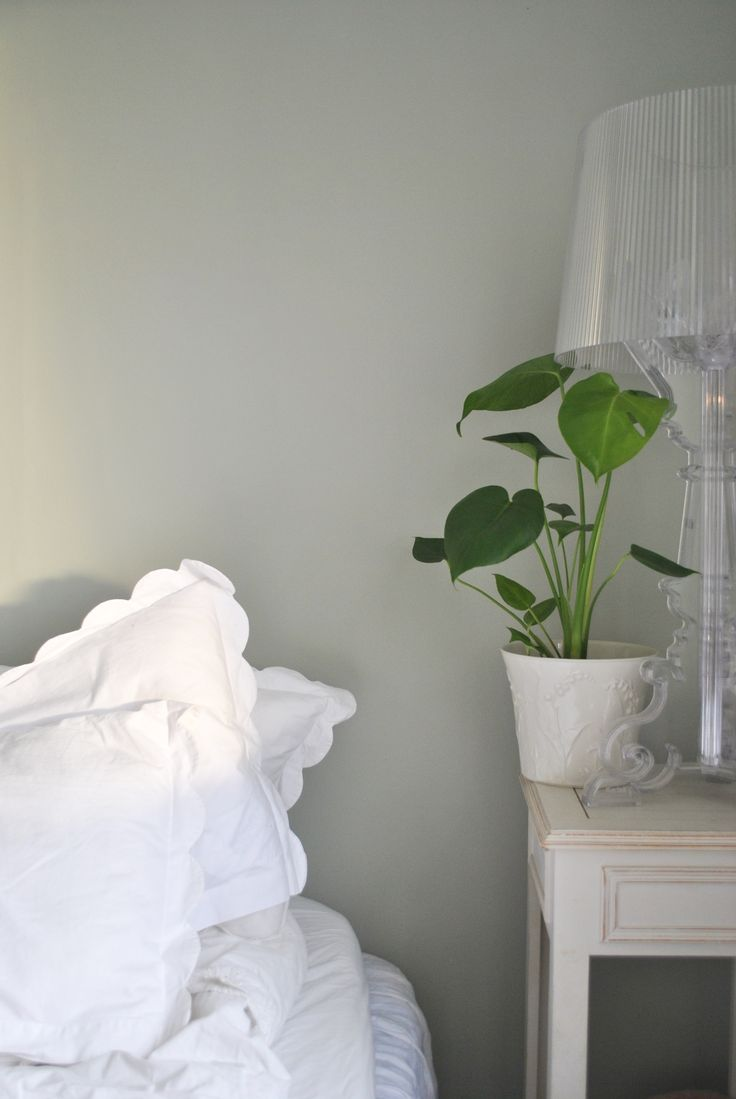 Design Gray And Green Bedroom best 25 gray green bedrooms ideas on pinterest swedish blogger evelina hinds painted her bedroom in beckers mistel 800 a lovely gray