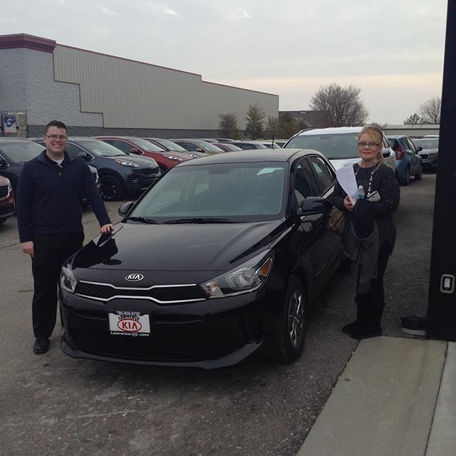 Bobbie Jo came all the way from Osceola and got a great deal on this 2018 Kia Rio from Ken and Lawrence Kia today! Congratulations!