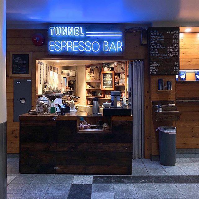 Tiny Coffee Shop Tunnel Coffee Shop Bar Coffee Shops Interior Small Coffee Shop