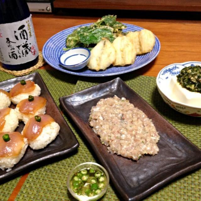 一昨日の釣果で晩ごはん! - 14件のもぐもぐ - オット作の鯵の漬け寿司&なめろう、シロギスと明日葉の天ぷら、冷奴モロヘイヤソース by schenklu