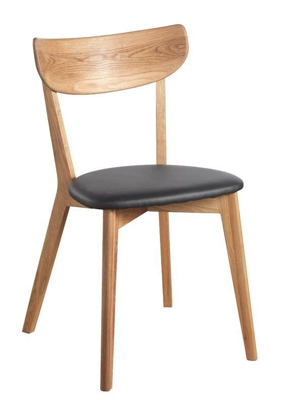 Vega Spisebordsstol - Eg m. Sort PU sæde - Pæn og stilren stol med sort sæde i kunstlæder. Stolen vil passe flot som spisebordsstol. Kan købes i flere farver og sælges som minimum á 4 stk.