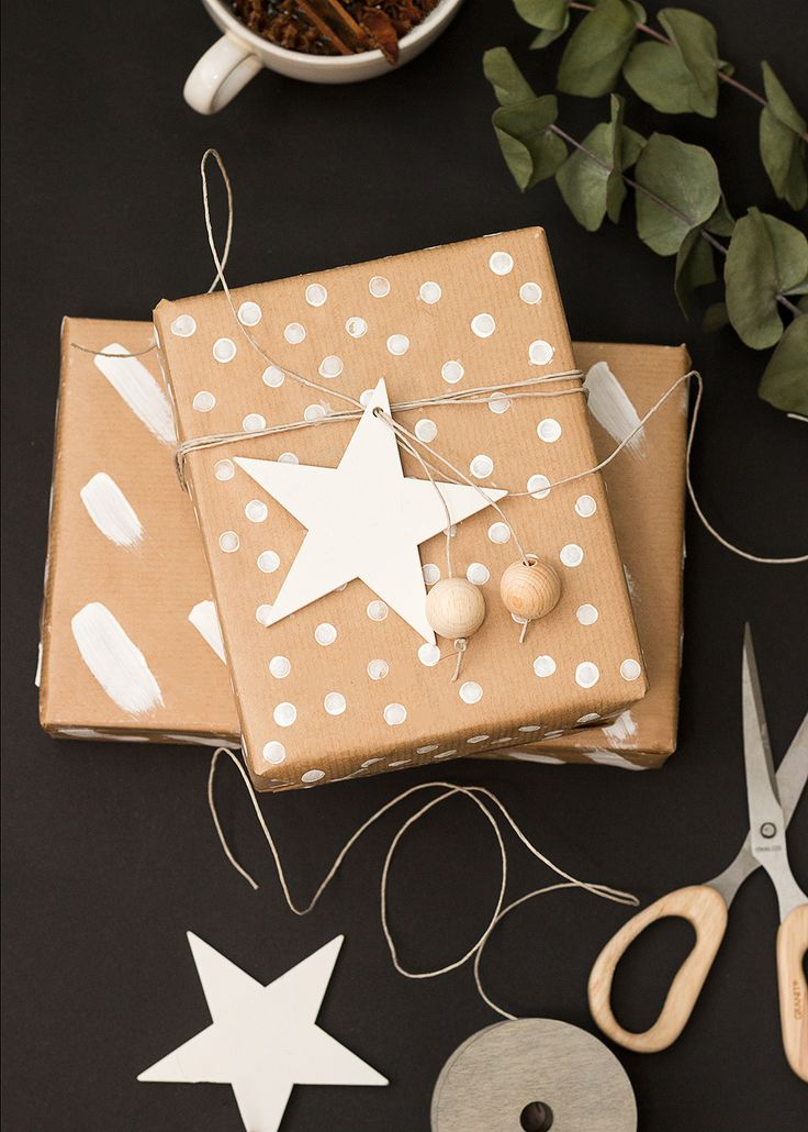 DIY wrappingpaper | Christmas gifts | Sandramarias.com