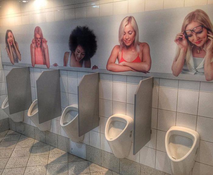 Открытки прикольные в туалете