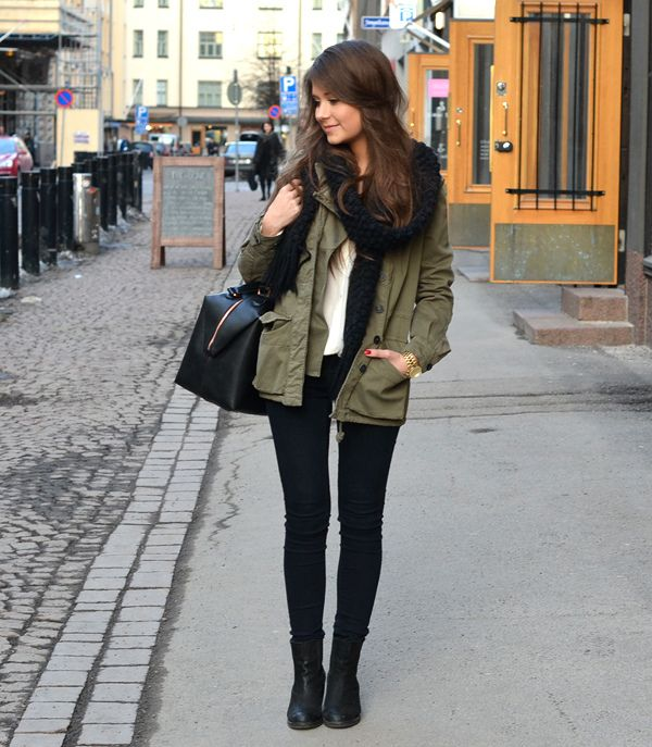 http://www.collegefashionista.com/school/view/ryerson_university_canada/fashionista_spotlight_karizza_sanchez#