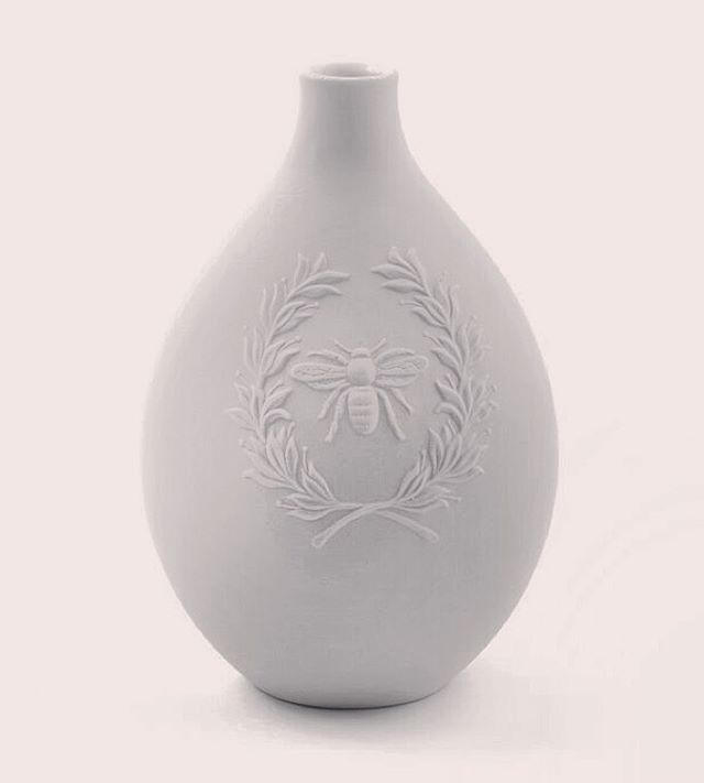 Bee Egg shaped vase. By Oden artisan Russell Hackney. Available online at www.odengallery.com #bee #honey #elegant #ceramics #natureinthehome #decor
