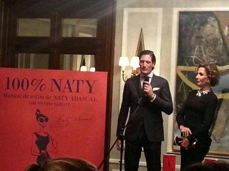 Naty Abascal junto a su hijo Luis Medina en la presentación de 100% Naty.