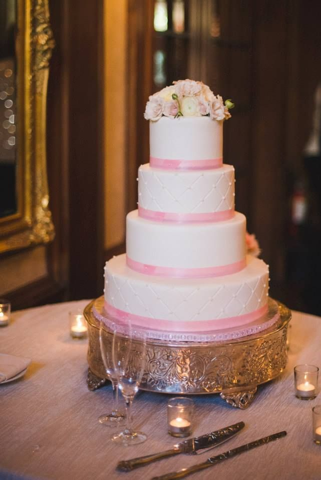 great tasting wedding cakes 1000 images about our wedding cakes they look and taste 14930