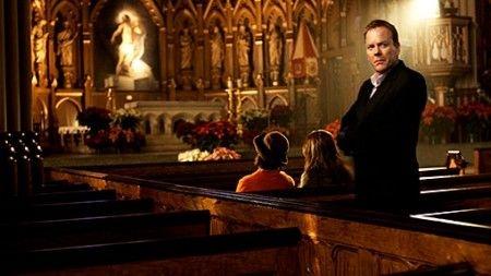 """Kiefer Sutherland si dà alle web serie: dopo la fine di 24, l'attore apparirà in """"The Confession"""". La filmografia di Kiefer Sutherland annovera circa una cinquantina di apparizioni sul grande schermo. La sua popolarità crebbe notevolmente quando, tornato al piccolo schermo, interpretò il ruolo di Jack Bauer nella serie televisiva 24, nel 2001.Oggi ritorna in questa serie da cardiopalma.  The Confession sarà anche su PrimoItalia"""