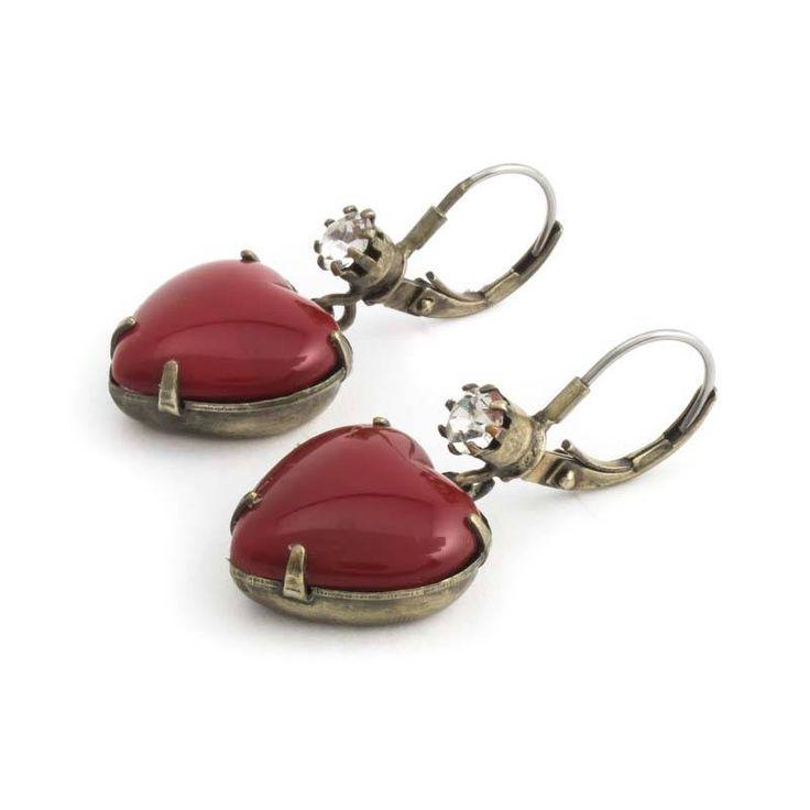 De Luxe Rode oorbellen met hartvormige hanger en kristal