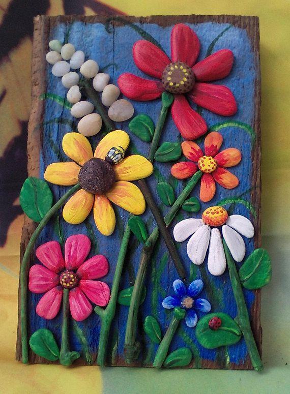 Kiesel Kunst, Treibholz Kunst, Kiesel Collage, Wanddekoration, Kiesel Blumen