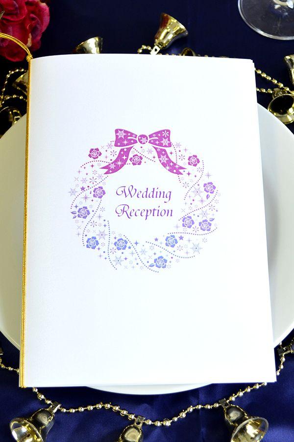 手作り【席次表キット】ローズリース キレイなグラデーションカラーのきらきらローズリースが 大人可愛いデザインの席次表キットです。 白を基調としたシンプルなデザインなので、どんな会場にも合わせやすいですね♪ クリスマスシーズン結婚式の方におすすめです!  専用のワードテンプレートがメールで送られてくるのでお家で簡単に作成・印刷ができますよ!