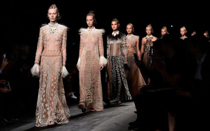 Fashion Week Paris 2015 - Valentino