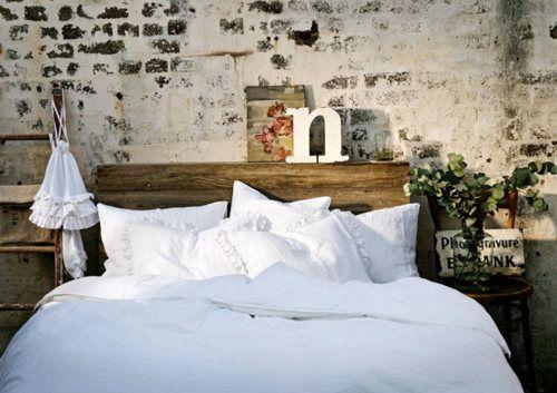 * Wunderkammer-inspiración *: Mit dem Kopf durch die Wand im Dormitorio - Brickwalls: tener un comienzo en el dormitorio - Paredes de ladrillo: A la cabeza en el dormitorio