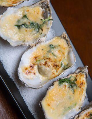 Huîtres chaudes au champagne | Recette en 2020 | Huitre ...
