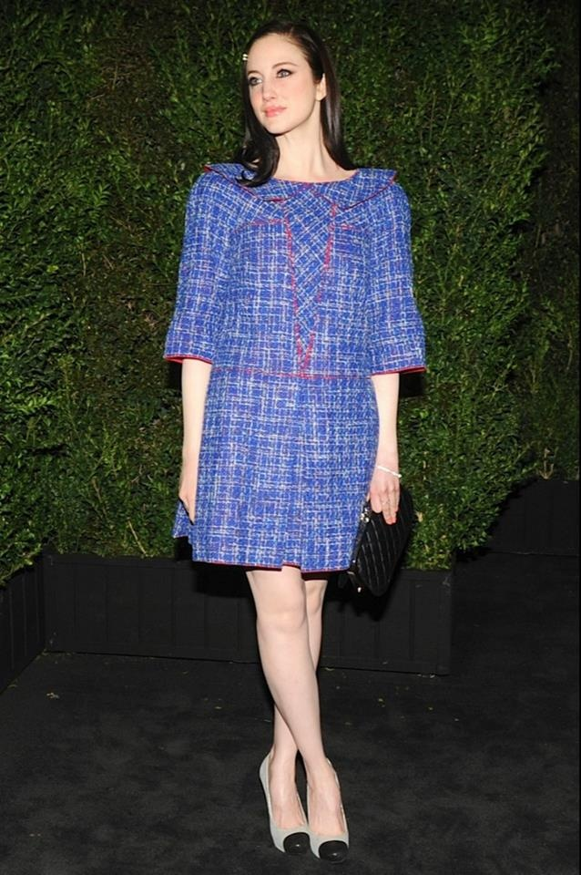Andrea Riseborough wore a short blue tweed dress from the Spring/Summer Collection #summer #Chanel #blue #fashion #oscar