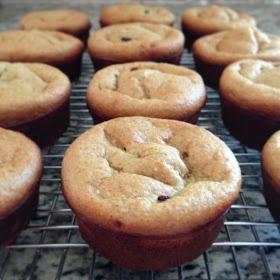 Yellow Brick Blog: Make These - Banana Oatmeal Breakfast Muffins