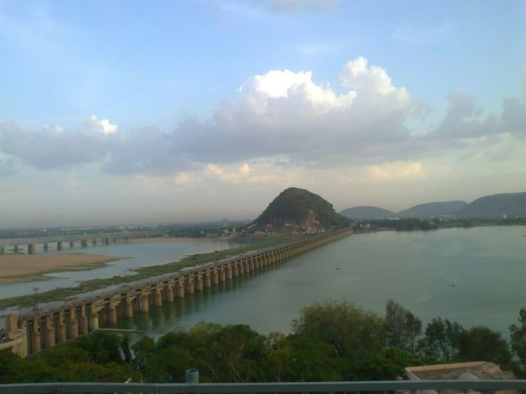 Kallanai Dam, also known asGrand Anicut, is the fourth oldest dam in the world. It still serves the people of Tamilnadu, India. The dam was constructed by King Karikala Chola of the Chola Dynasty in the 2nd century AD. The dam is located on the RiverKaveri, approximately 20km from the city ofTiruchirapalli.