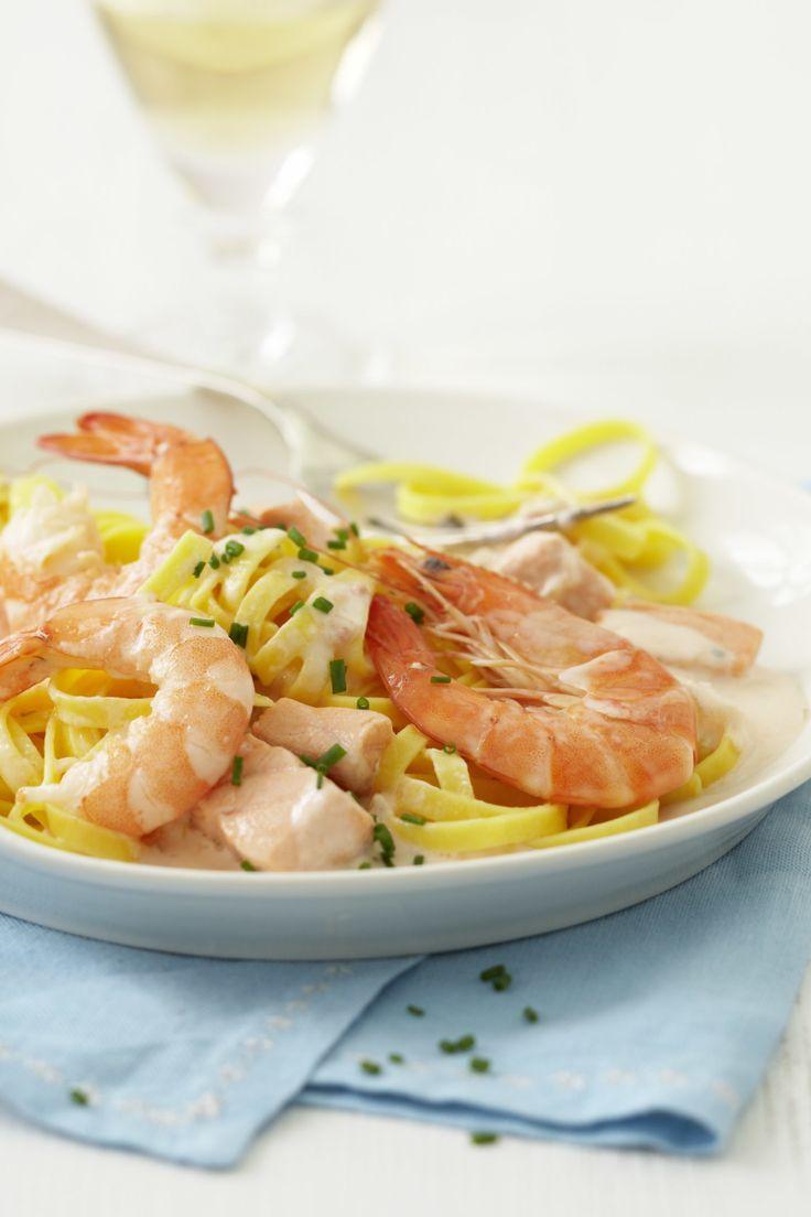 Pasta mit Lachs ist immer ein beliebtes Gericht und schnell zubereitet.