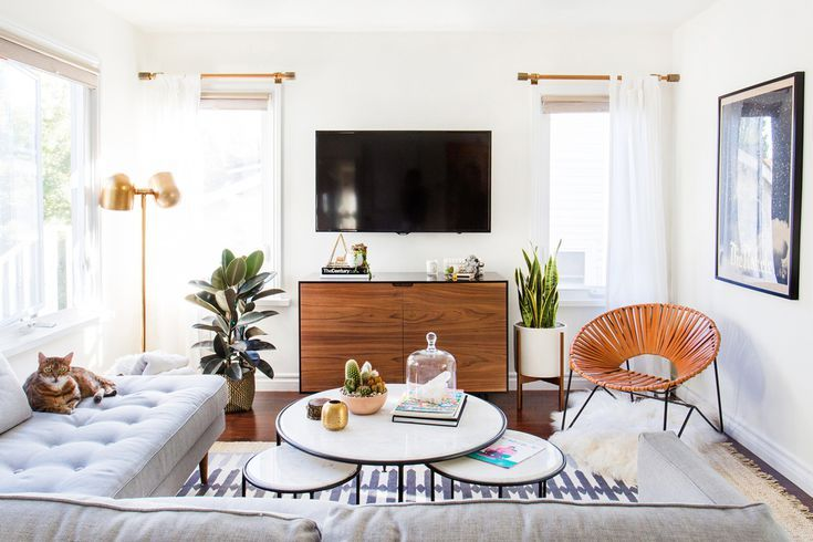 15 Simple Small Living Rooms That Maximize Minimalist Style Small Living Room Decor Small Living Rooms Simple Living Room #small #living #room #style