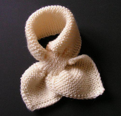 de fil en aiguille: Trop mignon, l'écharpe feuilles pour un bébé !