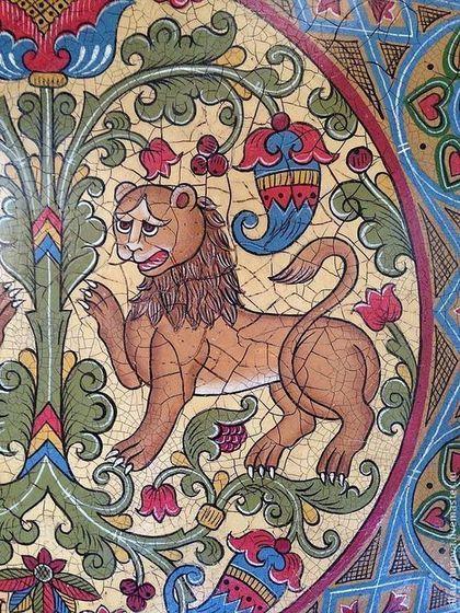 Купить или заказать Тарелка 'Львы и древо жизни' в интернет-магазине на Ярмарке Мастеров. Тарелка'Львы и древо жизни' .Изображение Льва — это посвящение Солнцу и оберег дома, его страж. Лев символизирует Божественную защиту, а также является воплощением жизненной силы.В славянской народной традиции Дерево жизни — вариант мирового древа, в книгах и фольклоре — мотив, отражающий представления о библейском древе жизни, посаженном Богом среди рая.