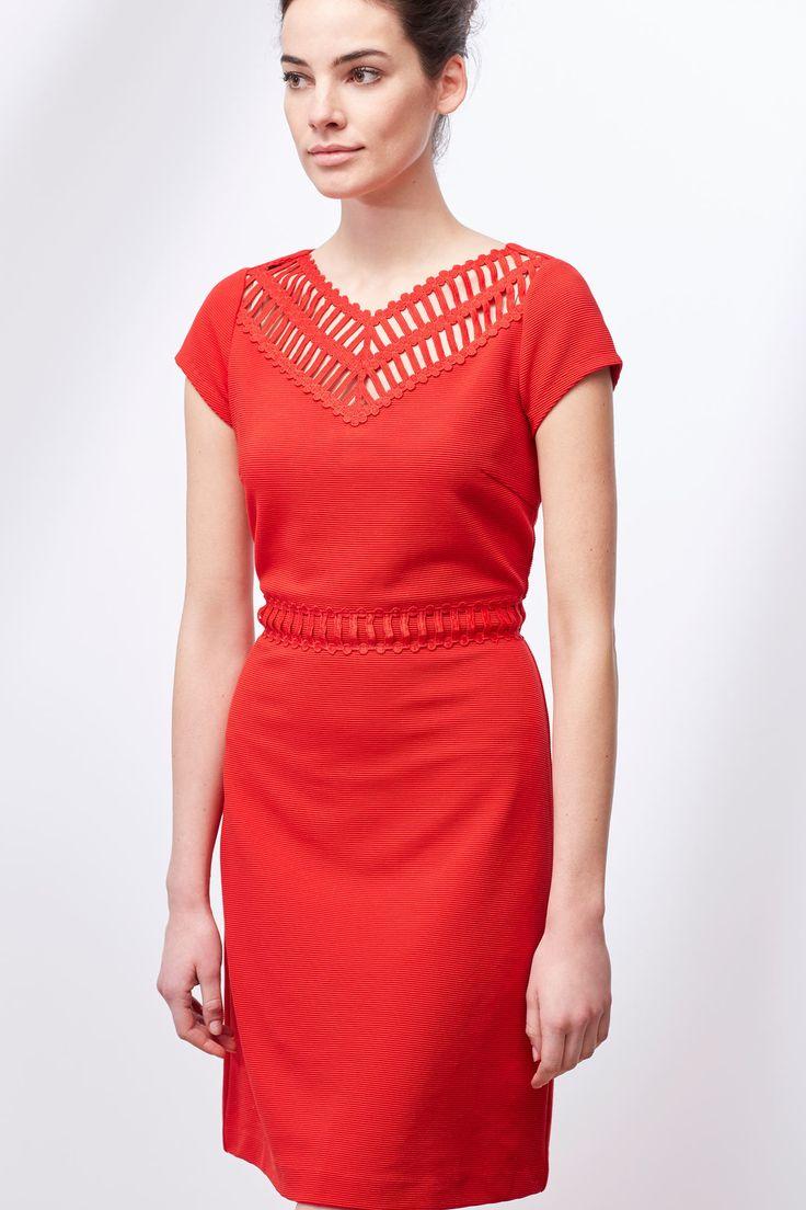 Vestido detalle escote | Vestidos | Cortefiel