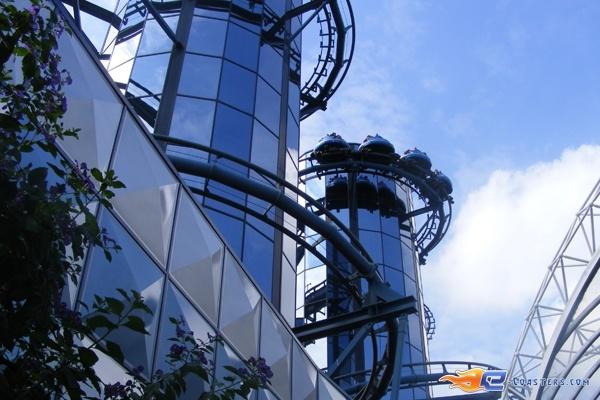 8/13 | Photo du Roller Coaster Euro Mir situé à @Europa-Park (Rust) (Allemagne). Plus d'information sur notre site http://www.e-coasters.com !! Tous les meilleurs Parcs d'Attractions sur un seul site web !! Découvrez également notre vidéo embarquée à cette adresse : http://youtu.be/wEM_IozURDg