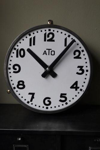 les 25 meilleures id es concernant horloge de gare sur pinterest plan ligne 9 pendule design. Black Bedroom Furniture Sets. Home Design Ideas