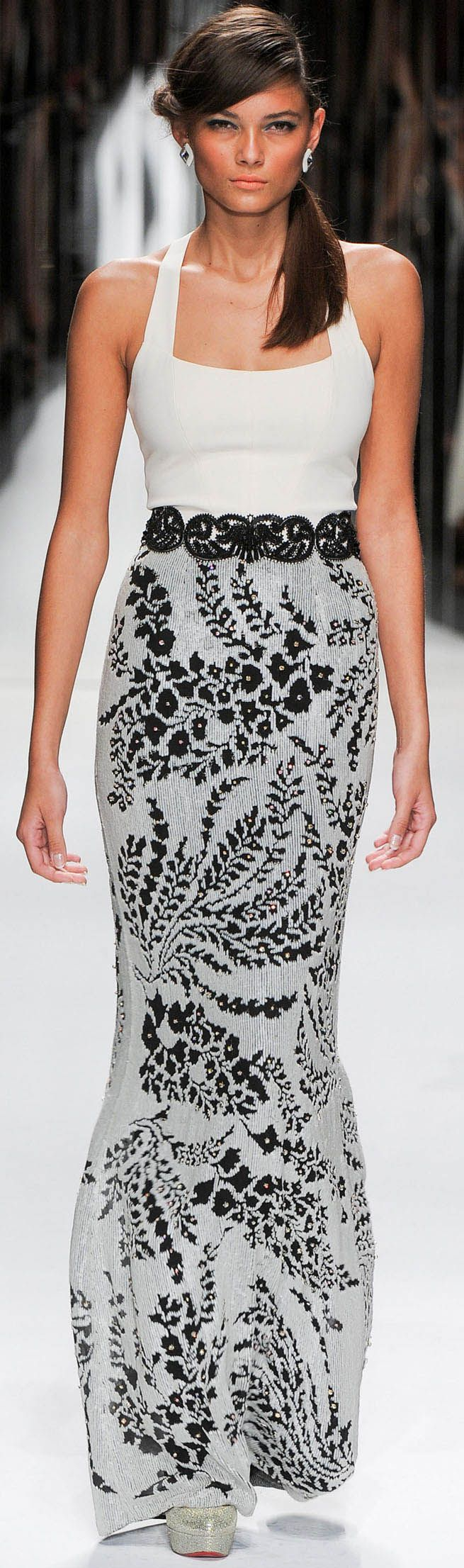 Jenny Packham. Spring 2013 Ready to Wear. The print on that skirt