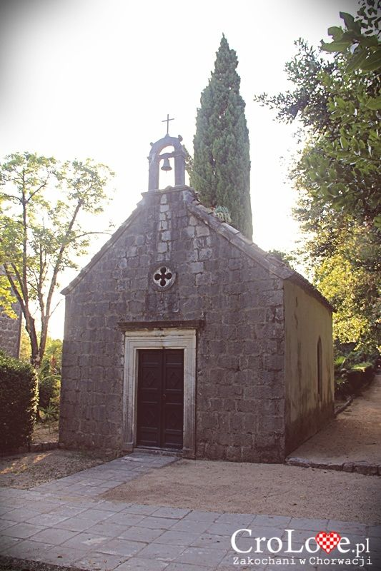 Kaplica św. Hieronima w Arboretum Trsteno || http://crolove.pl/arboretum-w-trsteno/ || #Arboretum #Trsteno #Croatia #Chorwacja #Hrvatska #Garden #Travel #Summer