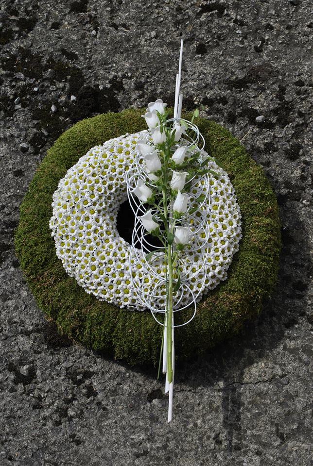 Artist: De Fleurs à Fleurs