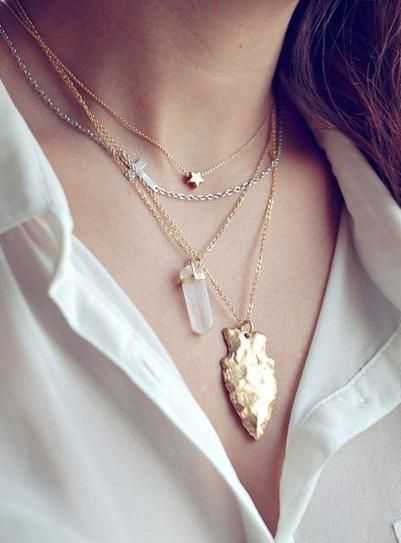 25 reasons you can (and should) mix gold and silver accessories. // Layered gold and silver pendant necklaces.