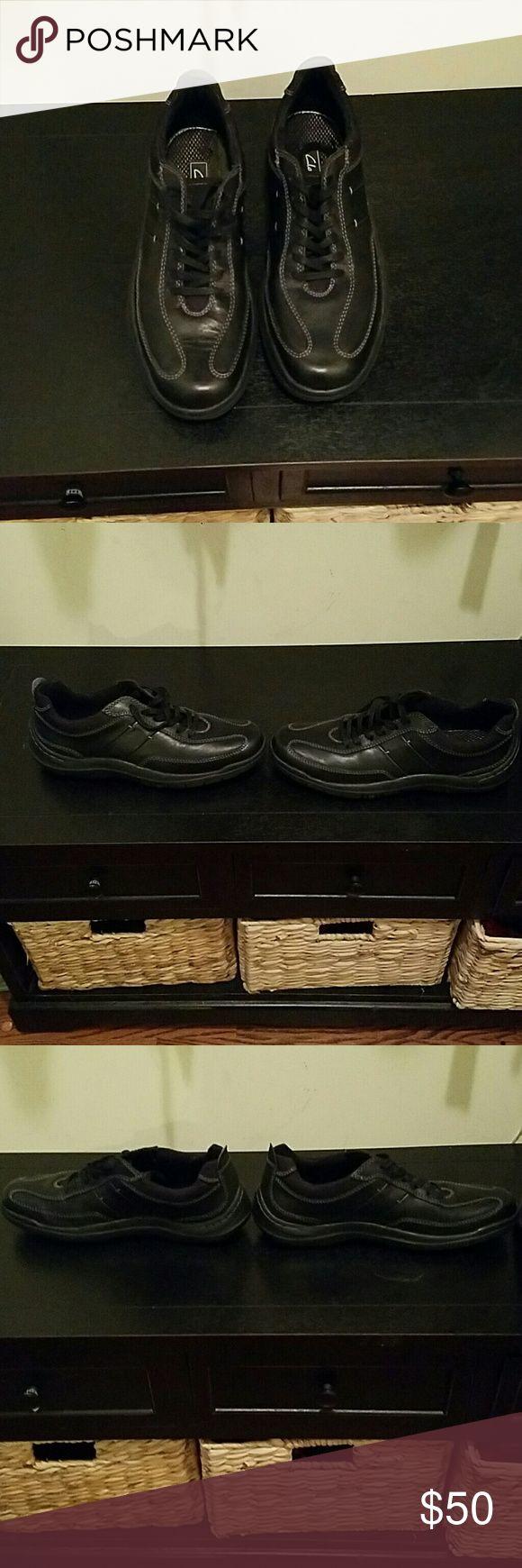MEN Clarks Blk Shoe/Sneaker Excellent Condition MEN Clarks Blk Shoe/Sneaker Clarks Shoes Boat Shoes