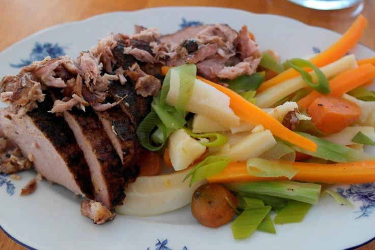 Pulled pork - poteter - grønnsaker - sky