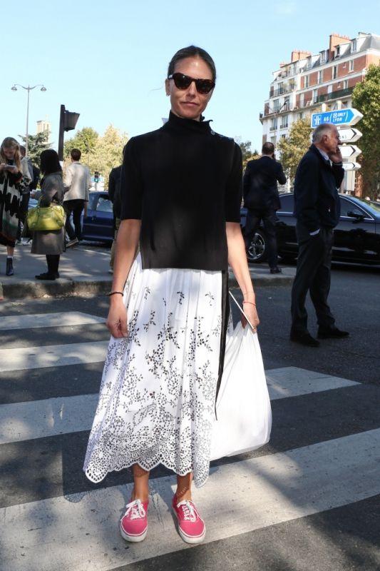 マキシ丈にミモレ丈、スカートはロング丈がIN【パリコレスナップDAY6】   FASHION   ファッション   VOGUE GIRL