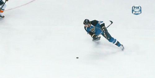 Patrik Berglund forgot how to hockey.   The 89 Funniest Sports GIFs Of 2013