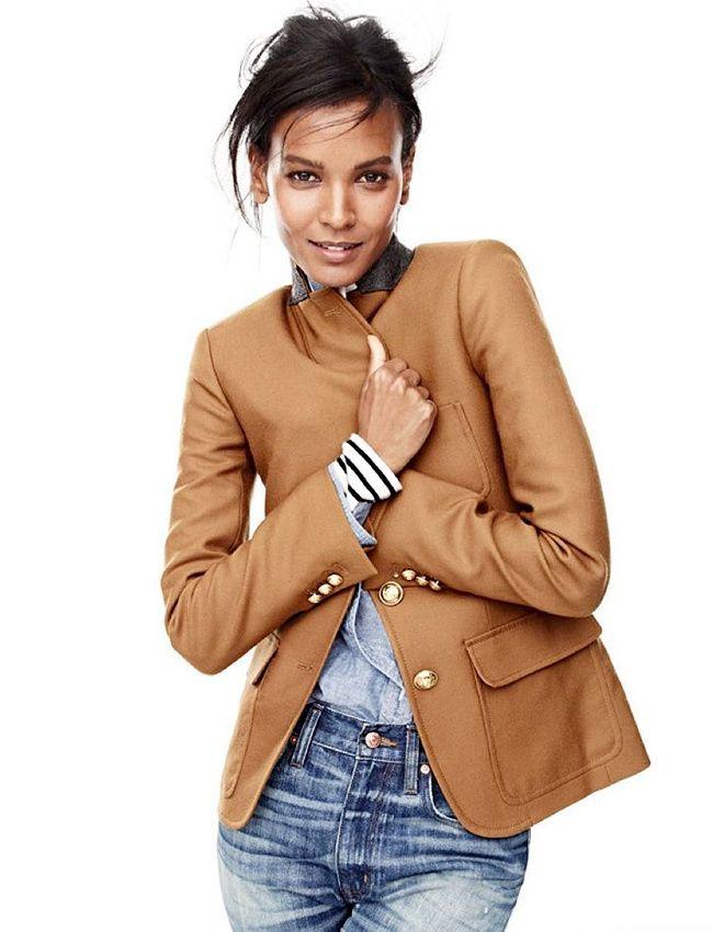 Oui à la superposition blazer camel/chemise en chambray/marinière ! (look J.Crew)