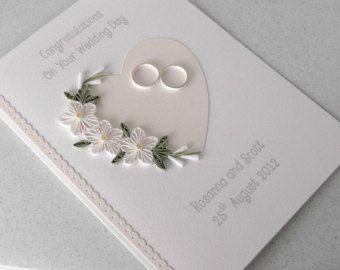 Stachelbesetzter Hochzeit-Tageskarte, herzlichen Glückwunsch, personalisiert mit Namen von Braut und Bräutigam und Datum, Steintaube Design, Blumen und Herzen