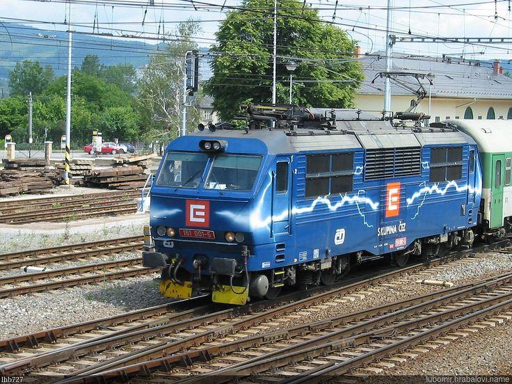 https://flic.kr/p/Q4i6um | Duhovka_IMG_4737 | Reklamní lokomotiva ČD - Duhovka 151.001