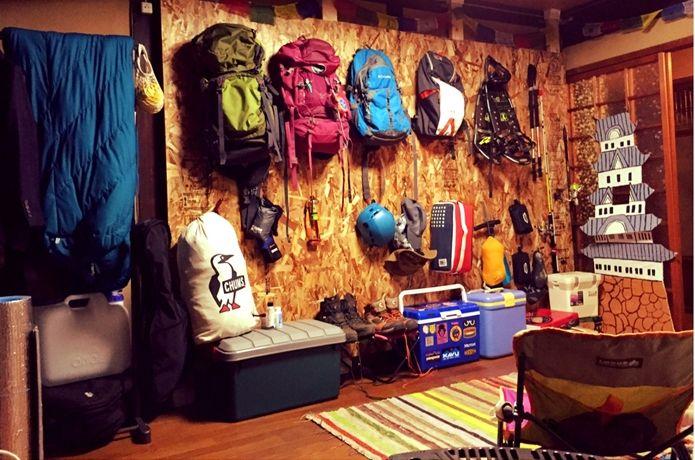 山岳ガイドや登山家は一体どんな登山グッズを愛用しているのでしょうか?山に頻繁に行くプロが使っている登山用品をご紹介します!軽量、コンパクト、高機能で魅力的な登山グッズばかりです。ぜひ参考にしてみて下さい。