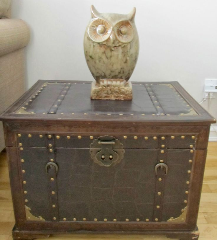 How to Add Vintage Elements to Your Home - vintage inspired trunk and owl