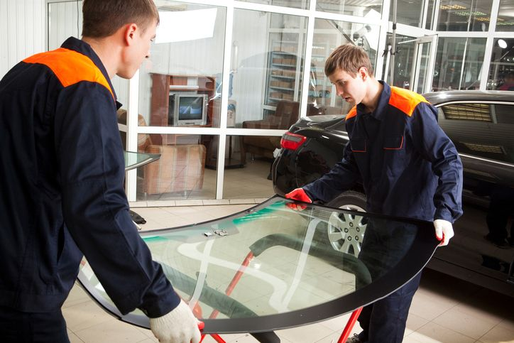 Need an auto glass quote in Poway? Then call the number one spot for local auto glass repair! Low Price Auto Glass's specialists can help you with whatever you need.